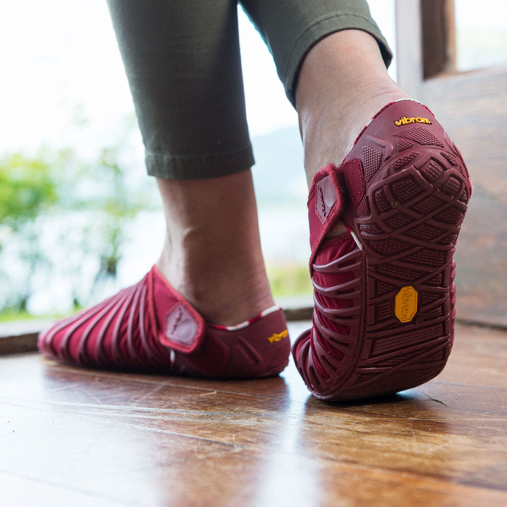 New! Vibram Furoshiki Beet Red Womens - Vibram Baltic f1d9b6f5c3a